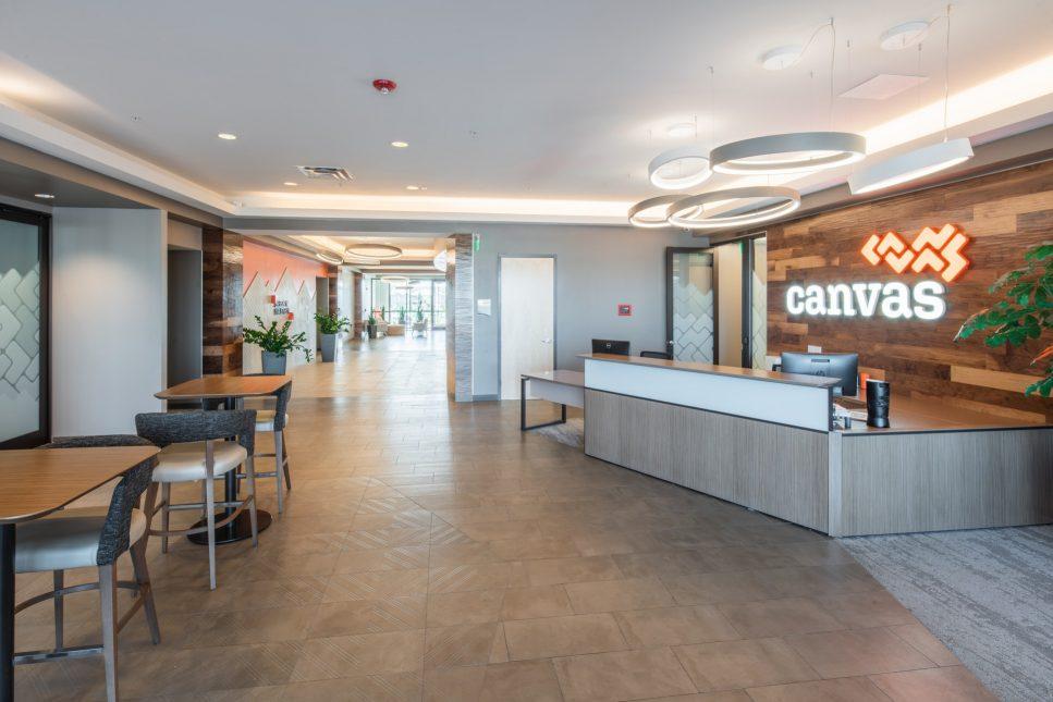 COM - CANVAS-HQ-02